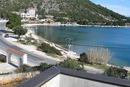 Coastal residential for sale in Trogir. Marina
