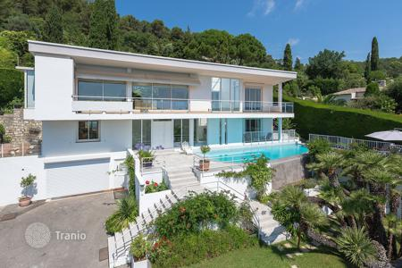 Houses for sale in La Colle-sur-Loup. Close to Saint-Paul de Vence - Californian-style villa
