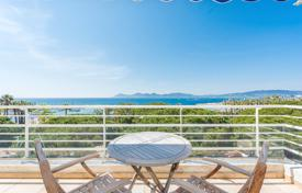 1 bedroom apartments by the sea for sale in Provence - Alpes - Cote d'Azur. Cannes — Croisette — Palm Beach