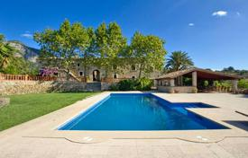 Luxury residential for sale in Majorca (Mallorca). Typical Mallorcan historic estate with a large plot of land, a tennis court, pictresque views and terraces, Alaro, Spain