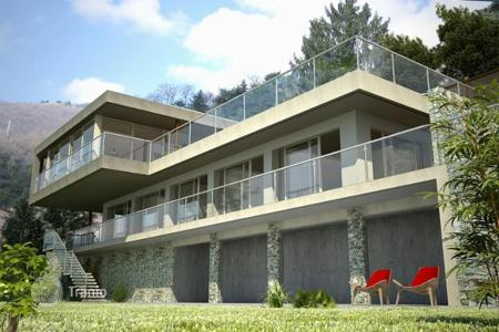 4 bedroom houses by the sea for sale in Cernobbio. Villa – Cernobbio, Lombardy, Italy