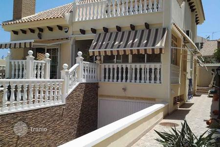 Houses for sale in Valencia. Playa Flamenca, Orihuela Costa, Villa with surface of 170 m², plot of 300 m², 4 bedrooms 3 bathrooms