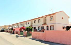 Cheap houses with pools for sale overseas. Torrevieja, Aguas Nuevas. Townhouse-duplex of 79 m² built with plot of 48 m².
