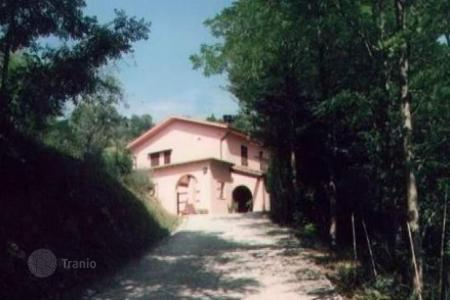 Houses for sale in Pontedera. Villa – Pontedera, Tuscany, Italy