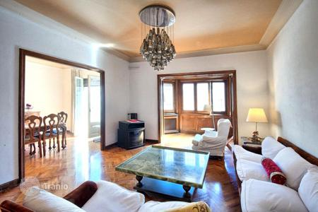 5 bedroom apartments for sale in Catalonia. The apartment is in the heart of Eixample