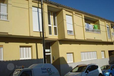 Bank repossessions apartments in Majorca (Mallorca). Apartment – Inca, Balearic Islands, Spain