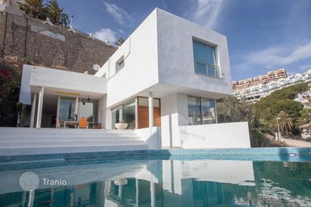 Houses with pools for sale in Cullera. Villa – Cullera, Valencia, Spain