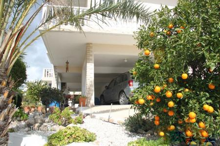 Coastal apartments for sale in Paphos (city). Detached 3 Bedroom Villa with Sea Views-Peyia