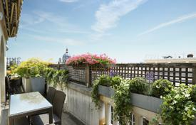 Luxury 2 bedroom apartments for sale in Ile-de-France. Paris 8th District – A superb apartment with terraces enjoying panoramic views