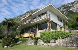 Coastal houses for sale in Lake Garda. Villa – Gargnano, Lombardy, Italy