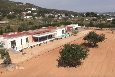 Houses from developers for sale in Ibiza. Villa – Ibiza, Balearic Islands, Spain