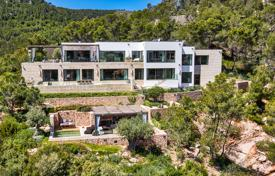 Houses with pools for sale in Son Vida. Luxury villa with two swimming pools, a jacuzzi and an elevator in the posh neighbourhood of Son Vida, Palma de Mallorca, Spain