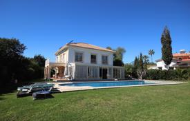 Lovely furnished villa by the sea in San Pedro de Alcántara, Andalusia, Spain for 2,200,000 €