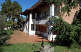 5 bedroom houses for sale in Piedmont. A house in the Sun of the Monferrato hills!