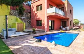 Coastal villas and houses for sale in Catalonia. Villa – Blanes, Catalonia, Spain