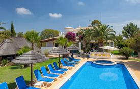Houses for sale in Carvoeiro. Moroccan designed 4 bedroom Villa with Pool & Tennis Court – near Carvoeiro