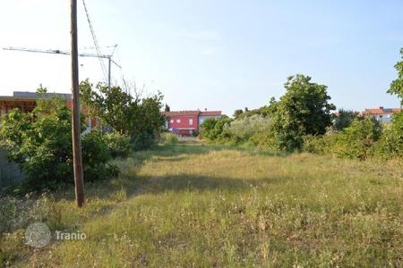 Development land for sale in Fažana. Building land Fažana, 100 meters from the beach