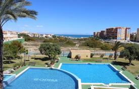 Coastal townhouses for sale in Costa Blanca. Terraced house – Torrevieja, Valencia, Spain