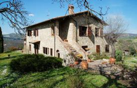 Houses with pools for sale in Italy. Agricultural – San Casciano dei Bagni, Tuscany, Italy