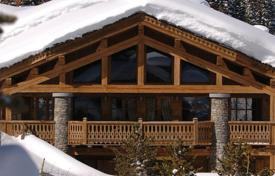 Chalets for rent in Courchevel. Great chalet on the fashionable resort of Courchevel, French Alps