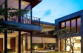 Property for sale in Bali. New modern villa with a swimming pool, a tropical garden and a garage, 5 minutes from the beach, Seminyak, Bali