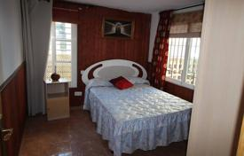 Coastal property for sale in Fuengirola. Cozy 1 bedroom apartment located in the first beach line of Carvajal area of Fuengirola