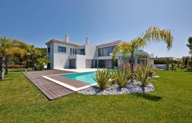 Luxury 5 bedroom houses for sale in Faro. Luxury villa at the lake in Quinta-do-Lago, Portugal