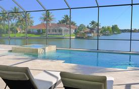 Villas and houses for rent with swimming pools in USA. Detached house – Fort Myers, Florida, USA