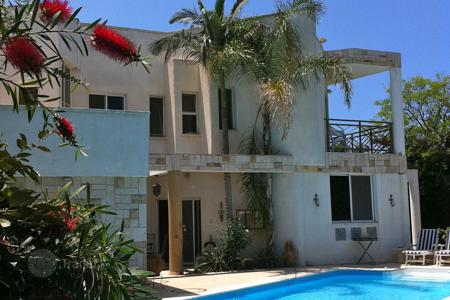 Coastal houses for sale in Caesarea. Villa in Caesarea