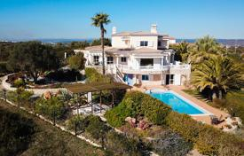 3 bedroom houses for sale in Faro. 4 Bedroom villa with 1 bedroom apartment and sea views, Vale da Lama, Lagos, West Algarve