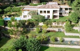 6 bedroom houses for sale in Vallauris. Villa – Golf Juan, Provence — Alpes — Cote d'Azur, France