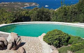Luxury houses with pools for sale in Sardinia. Villa – Sardinia, Italy