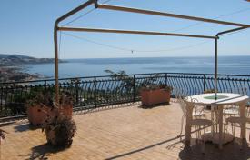 Houses with pools for sale in Sanremo. Villa with pool, garden and terraces with panoramic views of the sea in San Remo