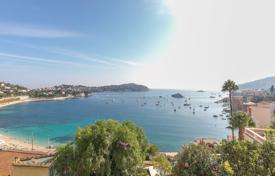 5 bedroom villas and houses to rent in Villefranche-sur-Mer. Villefranche-sur-Mer — Magnificent waterfront property