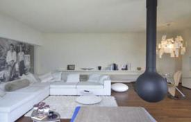 Property for sale in Perledo. Modern villa with terrace and garden, with views of Lake Como, Perledo, Italy