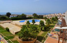 Apartments with pools for sale in Portugal. Spacious apartment with a terrace overlooking the ocean, Albufeira, Portugal