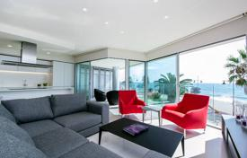 Penthouses for sale in Costa Blanca. Luxury penthouse on the first line from the sea, Torrevieja, Spain