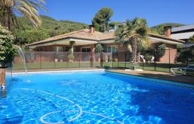 Coastal houses for sale in Costa del Maresme. House for sale in Premià de Dalt