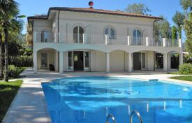 Luxury residential for sale in Lucca. Villa – Forte dei Marmi, Tuscany, Italy