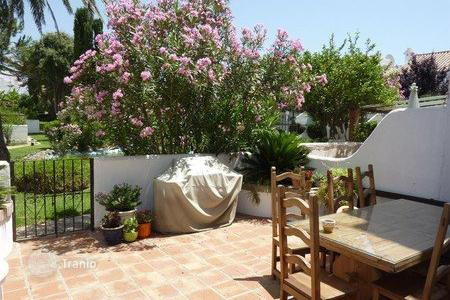 Townhouses for sale in Casares. Terraced house – Casares, Andalusia, Spain