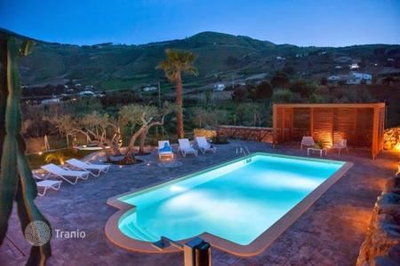 Villas and houses to rent in Sicily. Villa – Castellammare del Golfo, Sicily, Italy