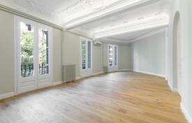 Apartments for sale in L'Eixample. Brand new flat in a listed building of Eixample