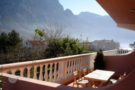 Coastal apartments for sale in Kotor. The apartment is in the town of Prcanj