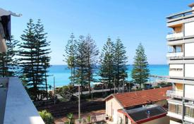 Coastal penthouses for sale in Bordighera. Penthouse in the center of Bordighera on the sea front