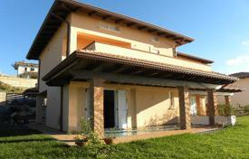 Property for sale in Diamante. New villa on the seashore with own garden in the city Diamante, Calabria