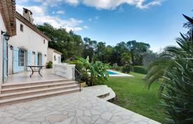 Luxury 3 bedroom houses for sale in Saint-Paul-de-Vence. Provencal Villa — Saint Paul De Vence — Swimming Pool