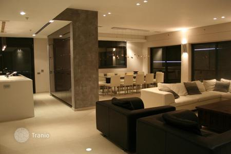 5 bedroom apartments for sale in Netanya. Penthouse with balcony and swimming pool, in Nat 600 district, in Netanya, Israel