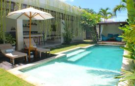 Houses for sale in Bali. Cozy villa with three bedrooms, a swimming pool, a garden and a parking, Kerobokan, Bali