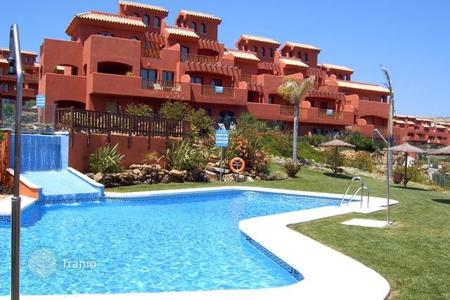 Cheap 3 bedroom apartments for sale in Europe. High rental potential! New duplex penthouse at 600 meters from the sea, near the golf course in Estepona!