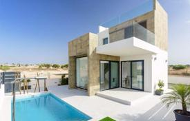 3 bedroom houses for sale in Valencia. Luxury villas of 3 bedrooms with private pool and solarium with views over the salt lakes in Ciudad Quesada